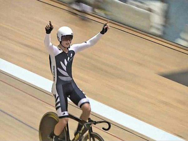 1large Campbell Stewart Omnium Title
